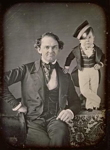 samuel_root_or_marcus_aurelius_root_-_p-t-_barnum_and_general_tom_thumb_-_google_art_project-crop